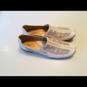 "NWOB Sesto Meucci ""Byrne"" White leather Loafers 7"